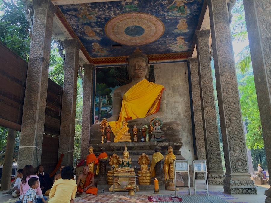 Buddha beside Bayon