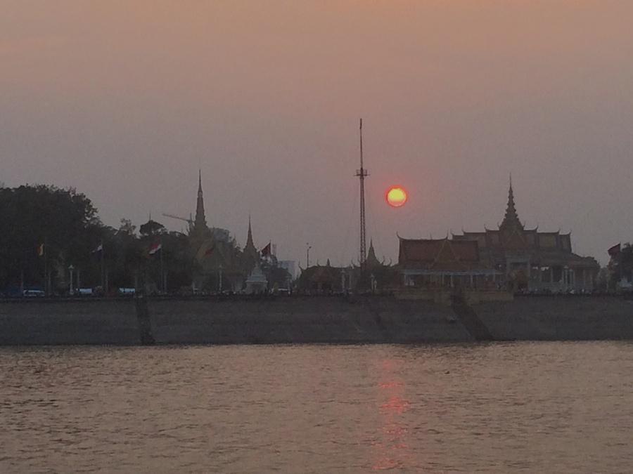 sunset over the royal palace, phnom penh