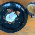 poached eggs on vegies & bacon
