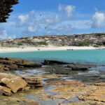 Australians bay